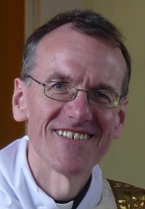 Photo of Revd Dr Ken Carlton